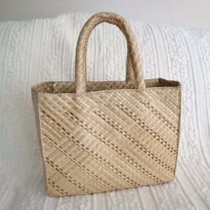 Woven structured straw bag